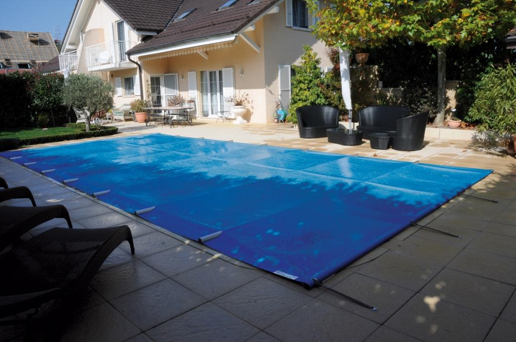 B che piscine for Baches piscine sur mesure